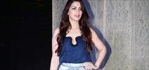 Sonali Bendre grace Manish Malhotra's 50th birthday bash hosted by Karan Johar