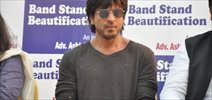 Shah Rukh Khan at Bandstand beautification drive event