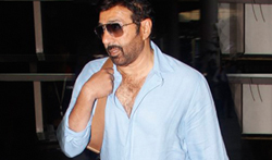 Sunny Deol snapped at the airport - Pictures