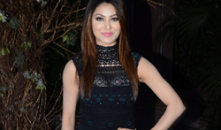 Urvashi Rautela grace Manish Malhotra's 50th birthday bash hosted by Karan Johar - Pictures