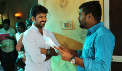 Enakku Vaaitha Adimaigal Movie Working - Pictures
