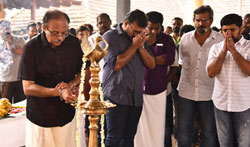Thondi Muthalum Driksakshiyum Movie Pooja - Pictures