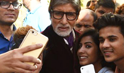 Amitabh Bachchan gets selfie mobbed post Ad shoot - Pictures