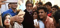 Amitabh Bachchan gets selfie mobbed post Ad shoot