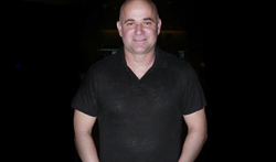 Andre Agassi snapped at the airport - Pictures
