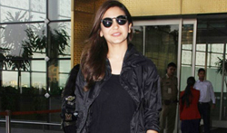 Anushka Sharma snapped at the airport - Pictures