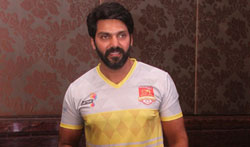 Arya Brand Ambassador of St. Angelo's VNCT Chennai Singhams launches team jersey - Pictures