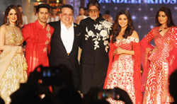 Amitabh Bachchan, Varun Dhawan, Alia Bhatt and Sonali Bendre at Abu Jani-Sandeep Khosla fashion show for CPAA - Pictures