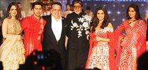 Amitabh Bachchan, Varun Dhawan, Alia Bhatt and Sonali Bendre at Abu Jani-Sandeep Khosla fashion show for CPAA