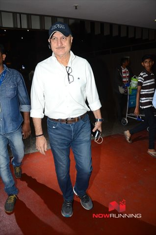 Picture 3 of Anupam Kher