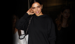 Deepika Padukone snapped returning from Delhi - Pictures
