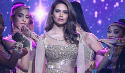 Esha Gupta and Iulia Vantur snapped at the Star Plus Dhakkad event - Pictures
