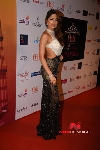 Picture 1 of Parvathy Omanakuttan