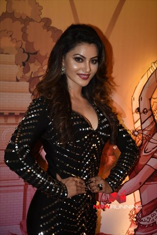 Picture 2 of Urvashi Rautela