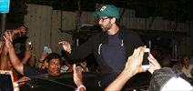 Hrithik Roshan interacts with fans at Chandan Cinema for 'Kaabil'