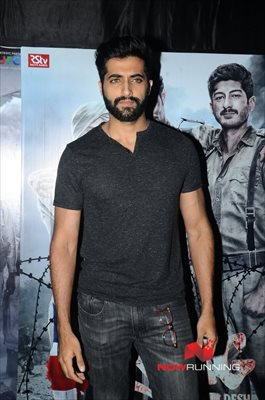 Picture 2 of Akshay Oberoi