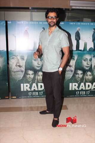 Picture 4 of Kunal Kapoor