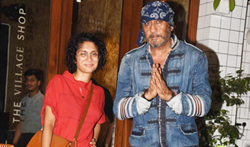 Jackie Shroff and Kiran Rao snapped post dinner at Village Shop - Pictures