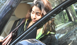 Jhanvi Kapoor snapped with her friend Shikhar - Pictures
