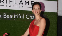 Kalki Koechlin at Oriflame new range launch in Mumbai - Pictures