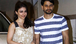 Soha Ali Khan and Kunal Khemu snapped post dinner at Kareena & Saif's house - Pictures