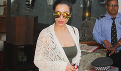 Malaika Arora Khan snapped at Out of the blue post lunch - Pictures