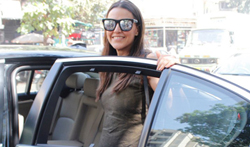 Neha Dhupia snapped in bandra - Pictures