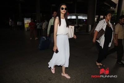 Picture 3 of Diana Penty