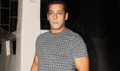 Salman Khan and Kabir Khan snapped in Bandra after dubbing for 'Tubelight'