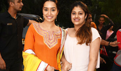 Shraddha Kapoor and family at the inauguration of Pandit Pandharinath Marg in Juhu - Pictures