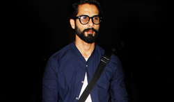 Shahid Kapoor on his way to Delhi to attend the India Today Conclave - Pictures