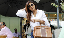 Shilpa Shetty snapped at the kitchen garden - Pictures
