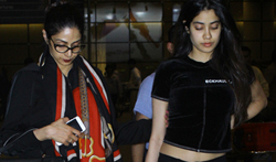 Sridevi and Khushi Kapoor snapped at the airport - Pictures