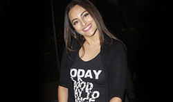 Sonakshi Sinha snapped at the airport - Pictures