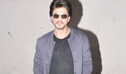 Shah Rukh Khan snapped during Raees promotions - Pictures