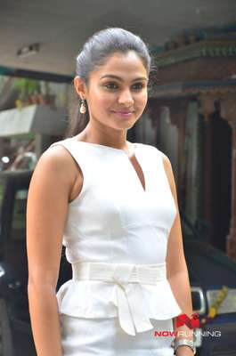 Andrea Jeremiah Pictures