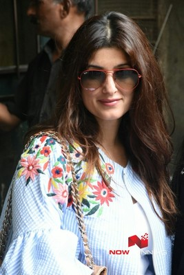Twinkle Khanna Pictures