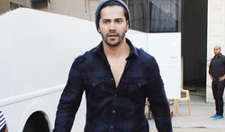 Varun Dhawan snapped at Mehboob studio - Pictures