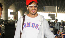 Vidyut Jammwal snapped at the airport - Pictures