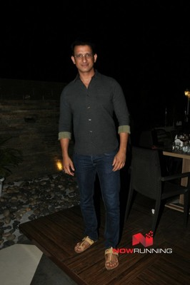 Picture 1 of Sharman Joshi