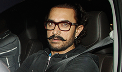 Aamir Khan snapped at the airport - Pictures