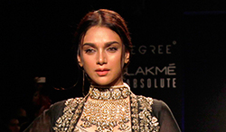 Aditi Rao Hydari walks for Jayanti Reddy at Lakme Fashion Week 2017 - Pictures