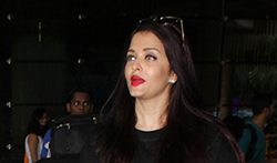 Aishwarya Rai Bachchan and Aaradhya Bachchan snapped at the airport - Pictures