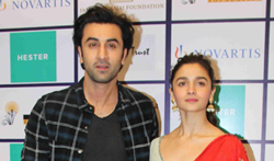 Alia Bhatt and Ranbir Kapoor at Nehru Centre to spread awarness on organ donation - Pictures