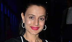 Ameesha Patel and Zayed Khan snapped at Hakkasan for dinner - Pictures