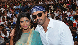 Arjun Rampal and Aishwarya Rajesh launch 'Aala Re Aala Ganesha' from 'Daddy' at Dahi Handi celebrations - Pictures
