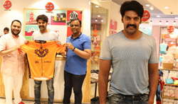 Actor Arya at LKS Fashion House for New Cycopathys Jersey - Pictures