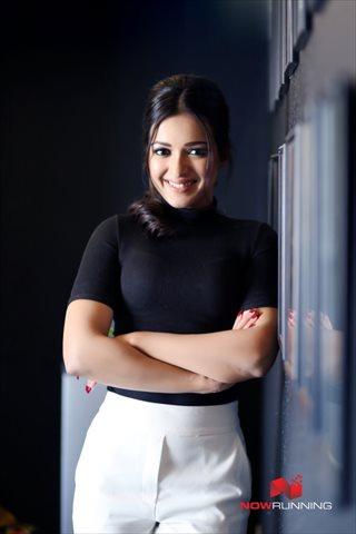 Picture 4 of Catherine Tresa