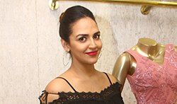 Esha Deol snapped at Neeta Lulla store shopping her Baby Shower fittings - Pictures