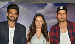 Evelyn Sharma & Karan Kundra attend the media meet of 'Stupid Man Smart Phone' - Pictures